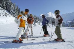 groupe-de-skieurs-a-avoriaz.jpg